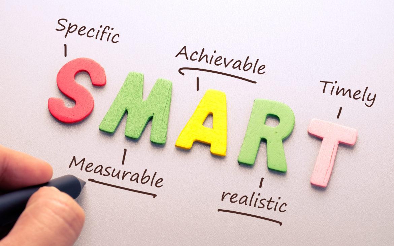 Los indicadores de seguridad deben seguir la regla SMART: Específico, Medible, Alcanzable, Realista y limitado en el Tiempo.