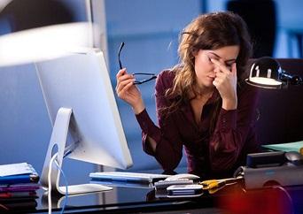 vista-cansada-por-el-trabajo_clinica_oftalmologica_laserof_granada